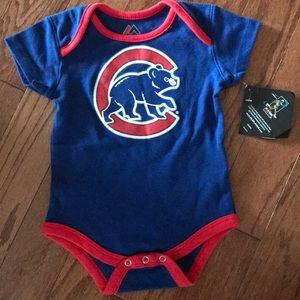 Brand new Cubs onesie 🐻⚾️